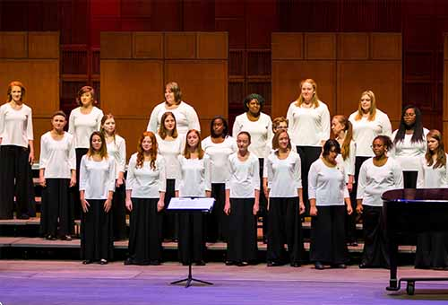 Belle Voci women's chorus performance